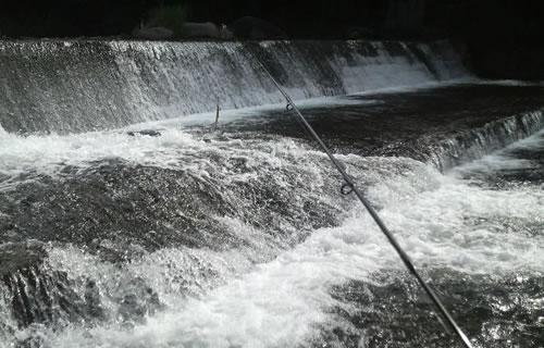 須玉川堰堤